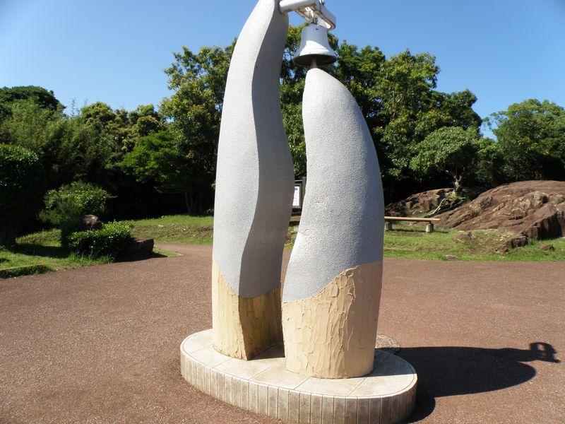 クルスの海 恋人の丘の希望の鐘