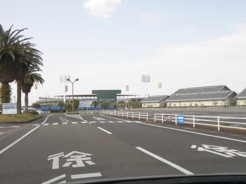 サンマリンスタジアム駐車場