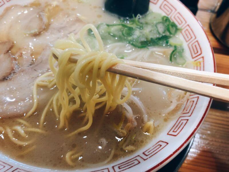 屋台骨 生目台カリヨン店 宮崎ラーメン 麺