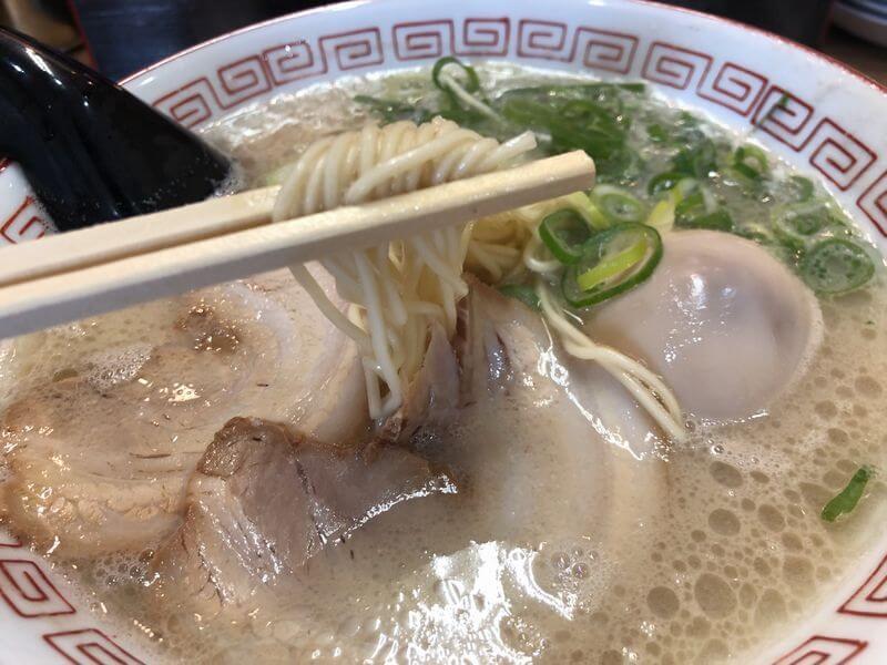 屋台骨 生目台カリヨン店 博多ラーメン 麺