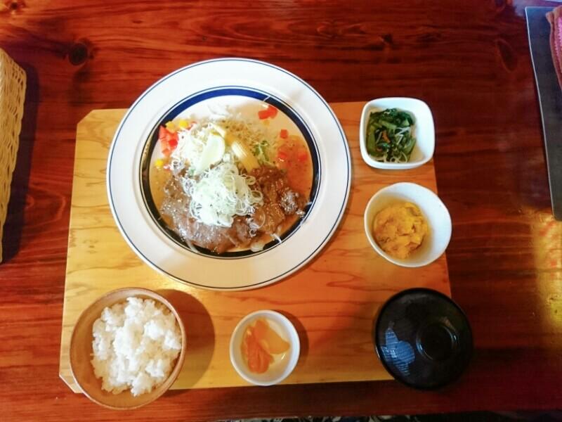 喜喜(フタツキ)のランチ 牛タンのねぎ塩ダレ定食