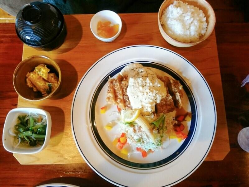 喜喜(フタツキ)のランチ 洋風チキン南蛮定食