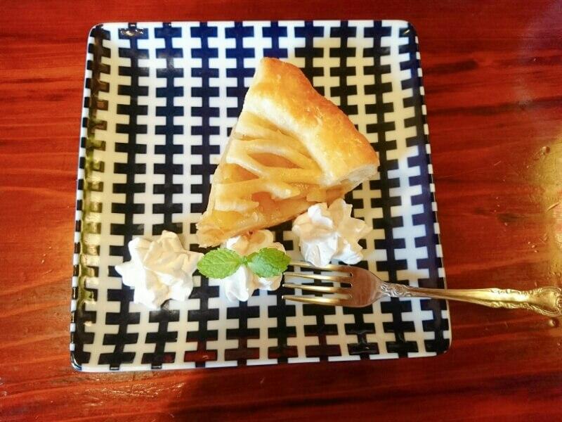 喜喜(フタツキ)のデザート アップルパイ