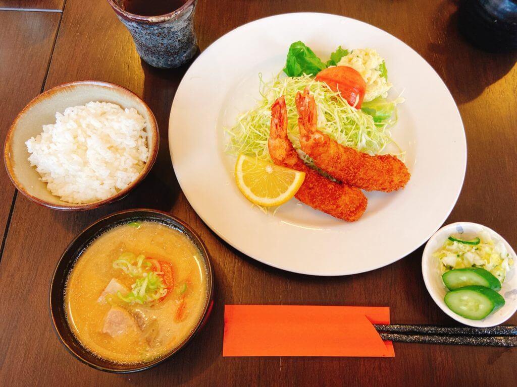 六郎エビフライ定食