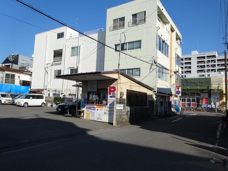 日高駐車場